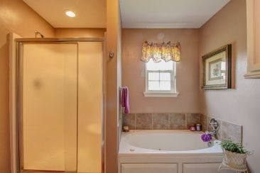 Shared bath, #3 and #4 Bedrooms
